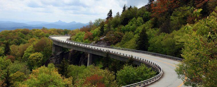 cropped-lcv_linn-cove-viaduct_2000px_brpwy_078211.jpg